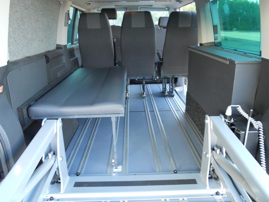 Flexibele inrichting voor rolstoelbus of personenvervoer