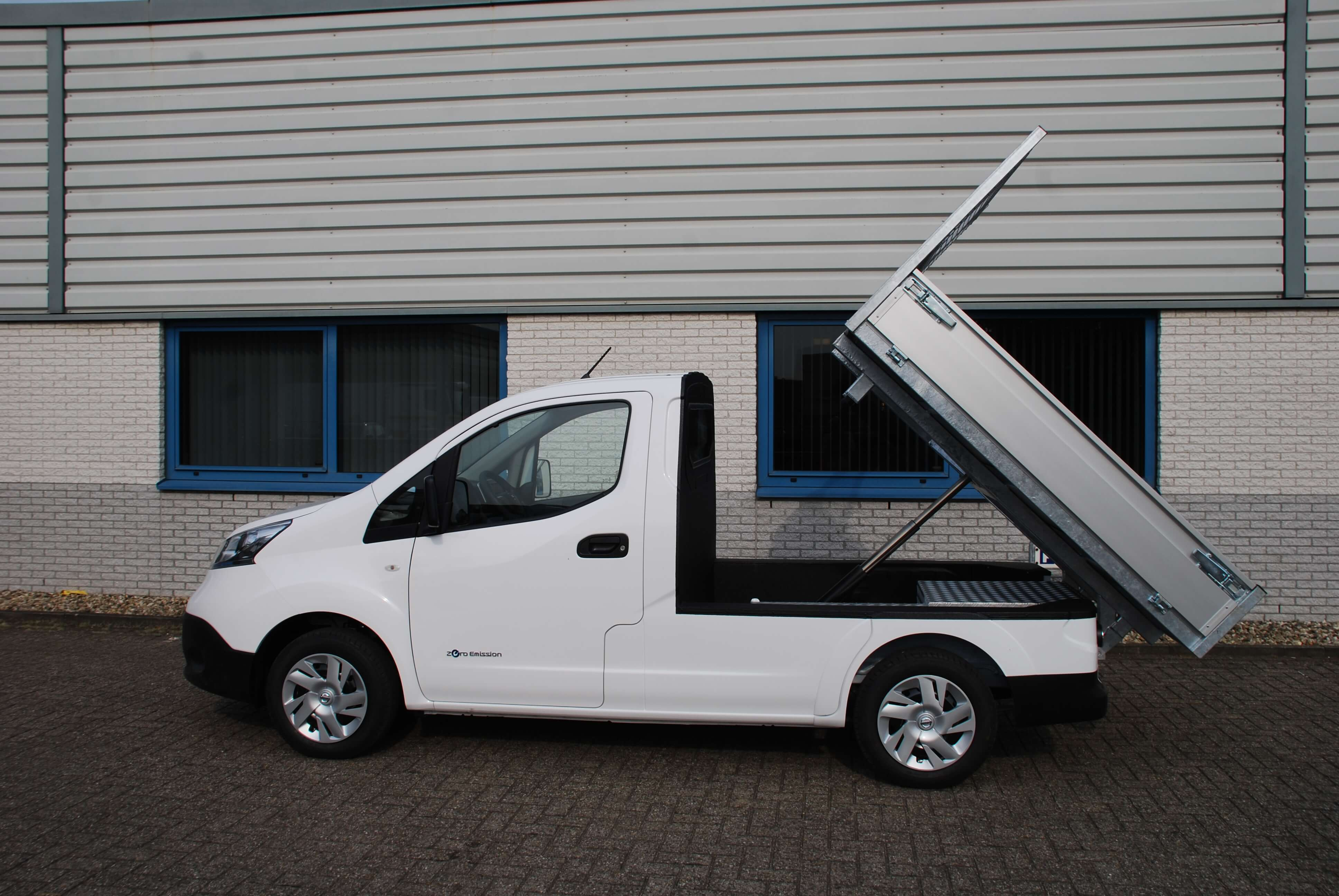 Chassis aanpassingen Nissan e-NV200 pick-up kipper