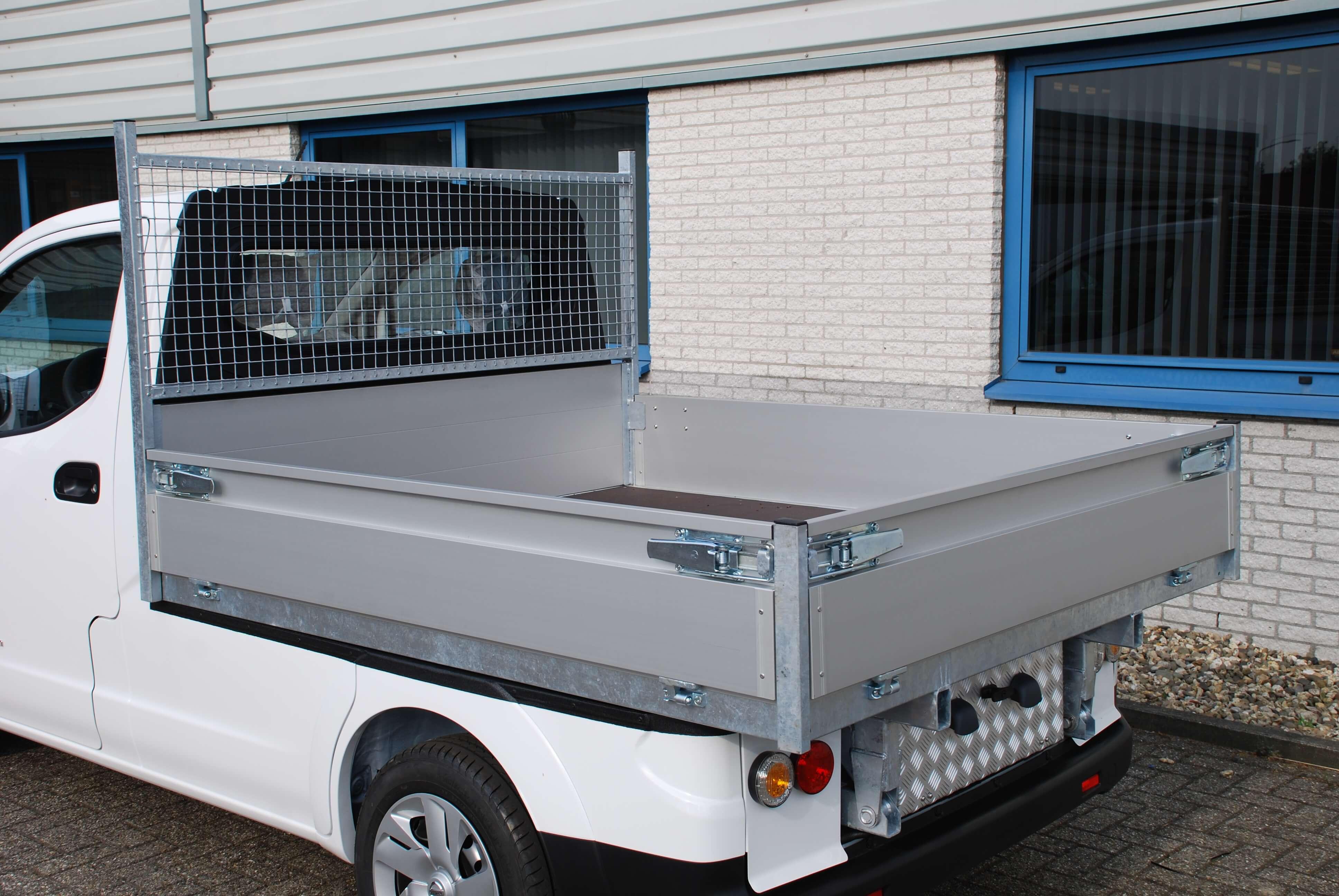 Chassis aanpassingen Nissan e-NV200 pick-up open laadbak
